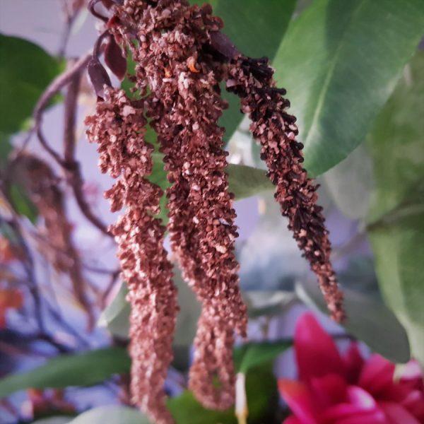 herfstboeket van zijden bloemen ingezoomd