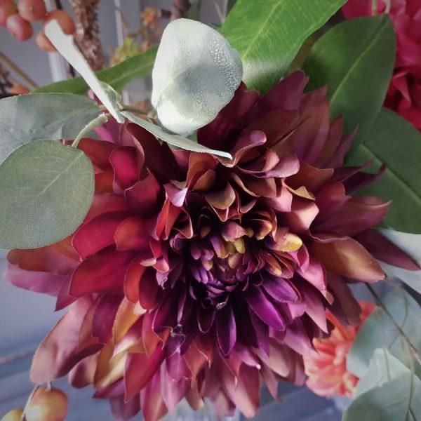 herfstboeket van zijden bloemen met o.a. deze prachtige dahlia
