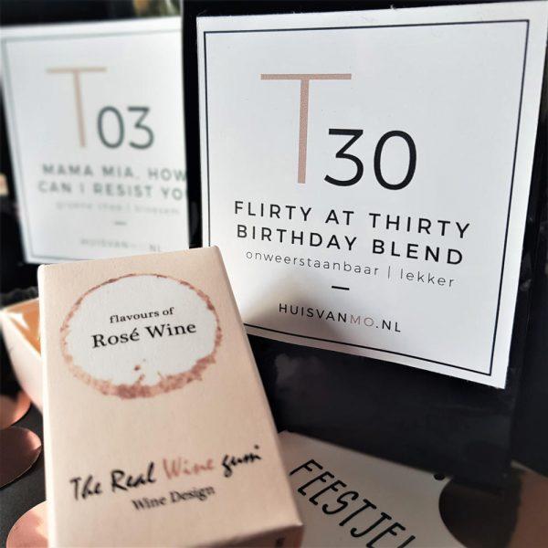 heerlijke rosé winegums en super lekkere en originele thee voor iemand die 30 jaar wordt