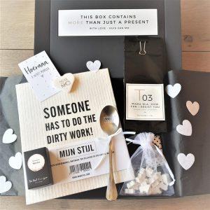 originele, grappige en stijlvolle zwangerschapsgiftbox, die door de brievenbus past